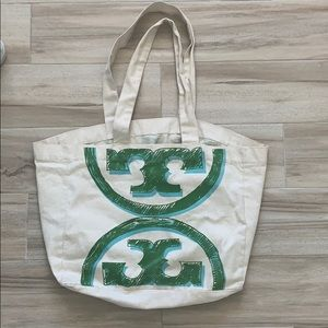 tory burch beach bag
